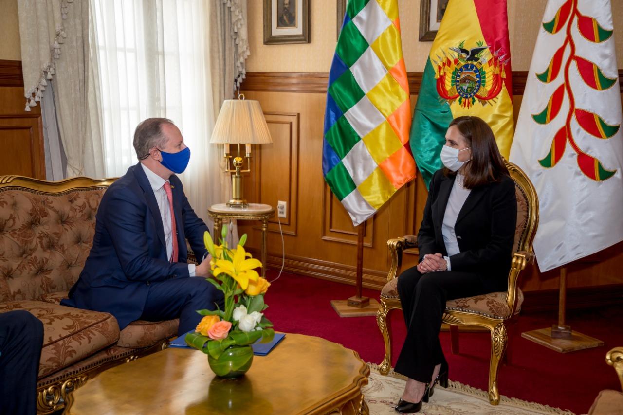 """Nuevo embajador Michael Dóczy: """"Bolivia es una prioridad para la UE"""""""