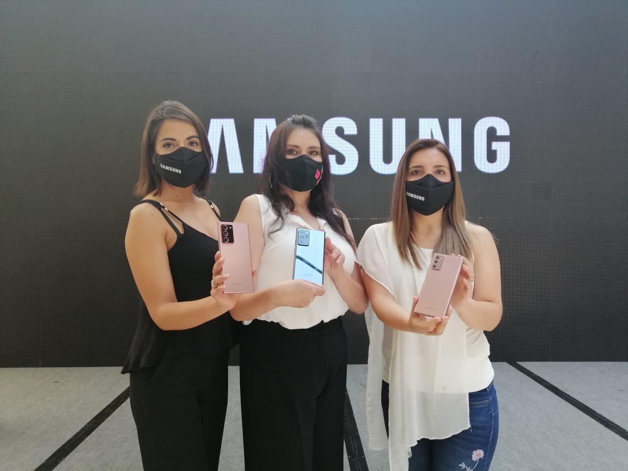 Samsung en las fiestas de fin de año presenta dos campañas para las familias bolivianas