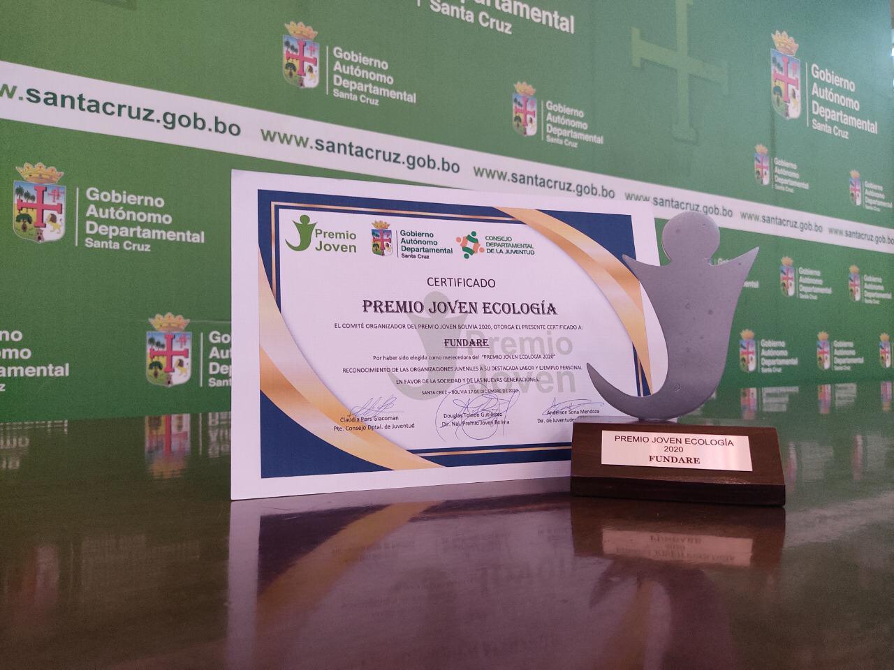 """Fundare Santa Cruz recibe distinción """"Premio Joven Ecología"""""""