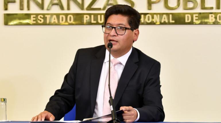 Ministro afirma que créditos diferidos solo representan el 11% y no afectarán a la banca