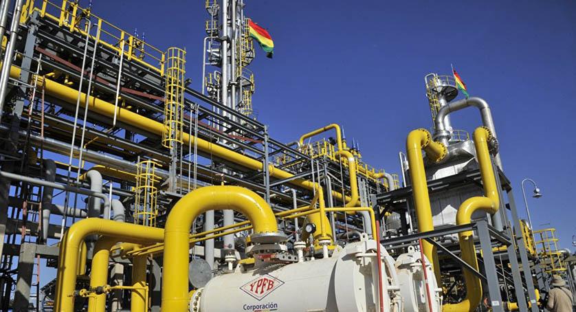 Bolivia reduce volúmenes y precios del gas que exportará a Argentina