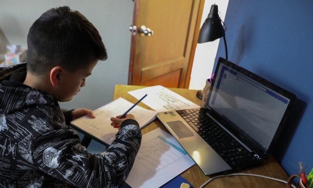 Defensoría del Pueblo pide a Educación establecer límites y rebajas en las pensiones escolares