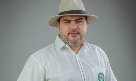 """Fernando Larach Santistevan, """"Santa Cruz necesita administrarse conforme a sus necesidades"""""""