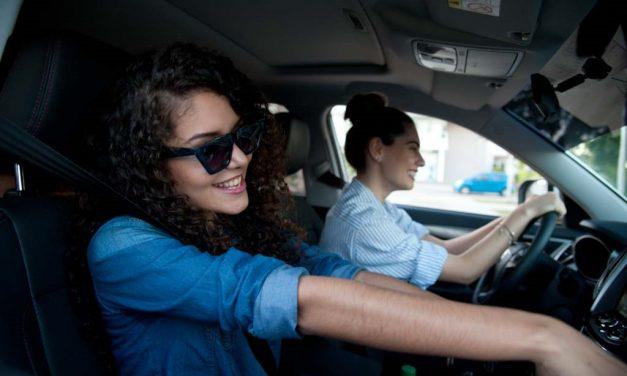 Seis características que evalúan las mujeres al momento de elegir su vehículo