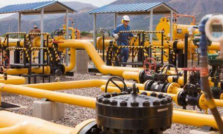 Caen ingresos por gas y repuntan exportaciones no tradicionales