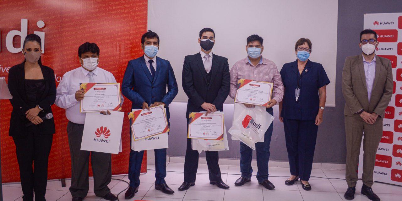 Tres jóvenes bolivianos llegaron a la final en el concurso de Huawei ICT Competition 2020