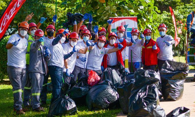 Un Mundo Sin Residuos: Personal de EMBOL realizó una limpieza de áreas verdes en el cuarto anillo
