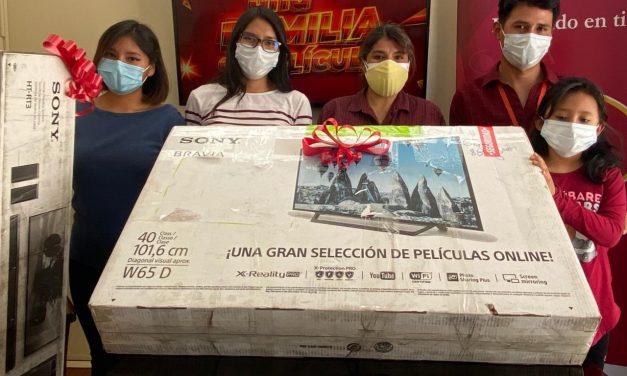 """BISA Seguros hace entrega del premio ganador a """"Una Familia de Película"""""""