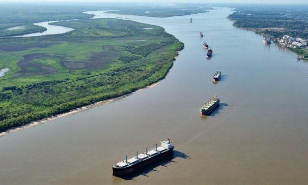 Empresarios: Hay que invertir más en logística y en la Hidrovía