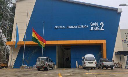 Bolivia protege el ambiente con reducción de CO2 mediante hidroeléctrica financiada por CAF.