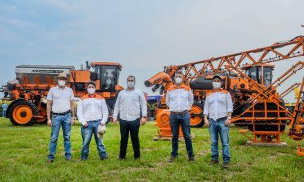 SACI presenta una nueva máquina sembradora que aumenta la eficiencia y rentabilidad.